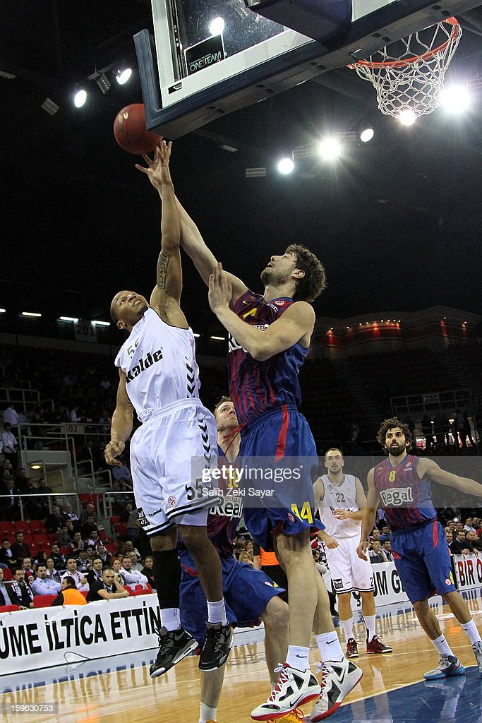Curtis Jerrells #55 of Besiktas JK Istanbul competes with Ante Tomic #44 of FC Barcelona Regal during the 2012-2013 Turkish Airlines Euroleague Top 16 Date 4 between Besiktas JK Istanbul v FC Barcelona Regal at Abdi Ipekci Sports Arena on January 17, 2013 in Istanbul, Turkey.