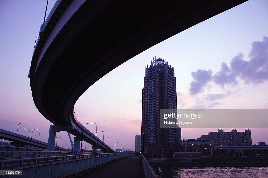 A curving highway : ストックフォト