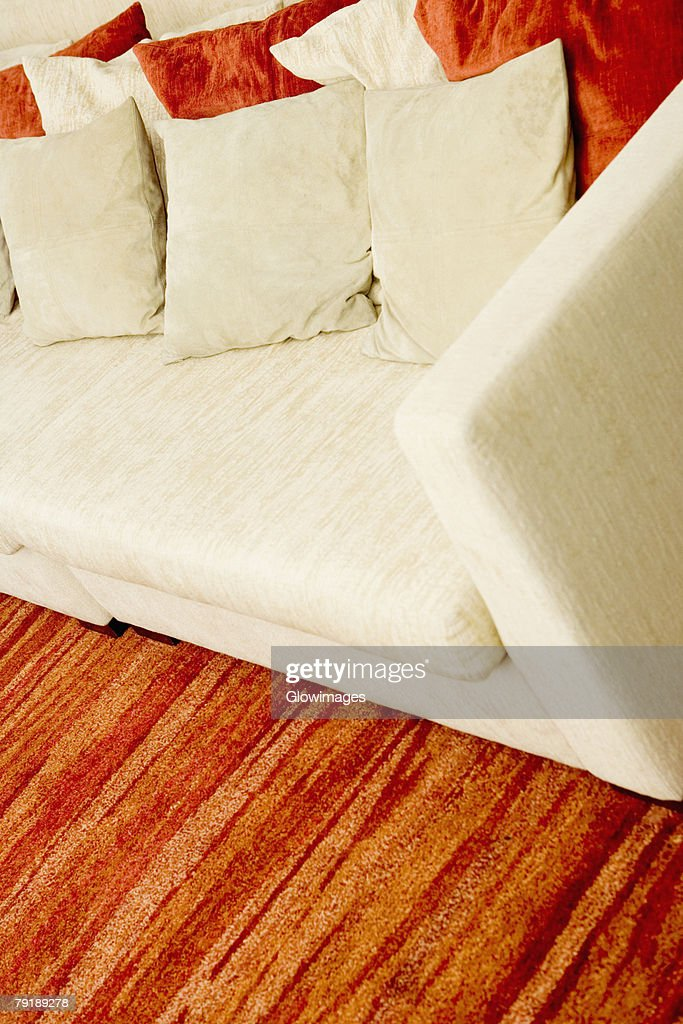Cushions on a couch in a living room : Foto de stock