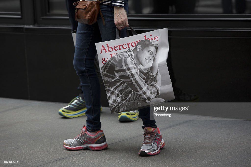Abercrombie Falls After Third-Quarter Sales Trail Estimates Photos ...