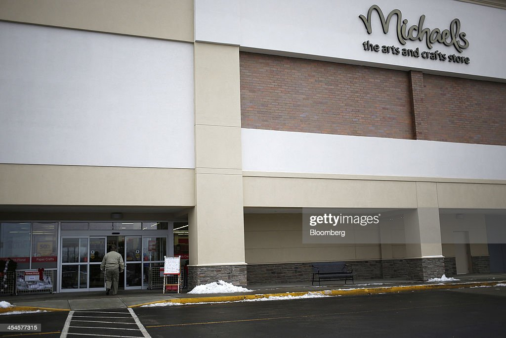 customers shop at a michaels craft store getty images. Black Bedroom Furniture Sets. Home Design Ideas