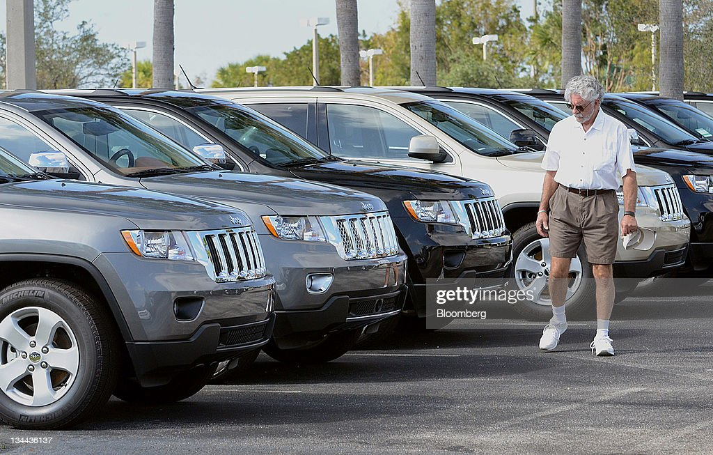 Perfect Customer Frank Barba Views 2012 Jeep Grand Cherokee Vehicles At Arrigo  DodgeChryslerJeep Car Dealership In West