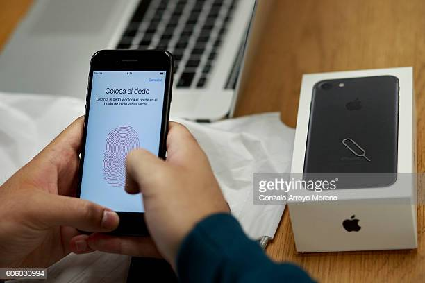 A customer sets the Touch ID of his new Iphone 7 at Puerta del Sol Apple Store the day the company launches their Iphone 7 and 7 Plus on September 16...