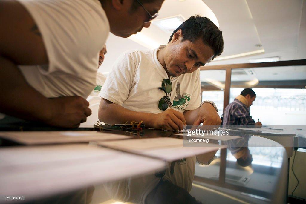 kathmandu ltd Sn company: address: phone no 1 : easylink remittance pvt ltd: sorhakhutte, kathmandu: 977 14388375: 2: annapurna travel and tours (p) ld: ghantaghar, kathmandu.