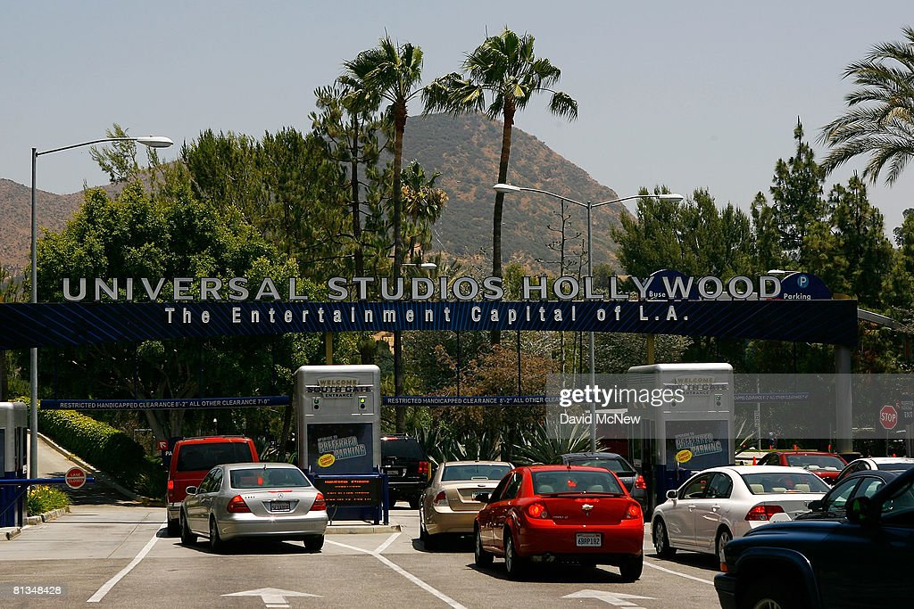 Customers return as Universal Studios theme park reopens the day after a massive fire swept through the Universal Studios backlot on June 2 2008 in...