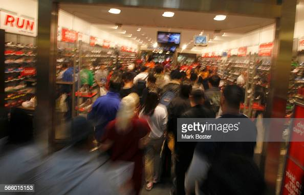 Nearby Stores Similar to Sport Chalet Sport Chalet offers mid-priced, multi-styled activewear. The 12 stores below sell products similar to Sport Chalet and have at .