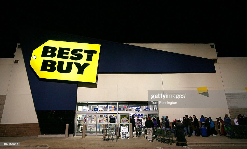 Customers wait in line outside Best Buy on November 26, 2010 in Fort Worth, United States. Shoppers waited in line outside the store overnight in an effort to secure the best deals on electronics when the store opened at 5 a.m.