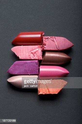 スタックドカットと Lipsticks に灰色の背景
