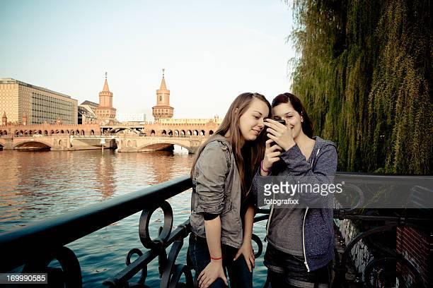 Süße weibliche Teenager, Schülern