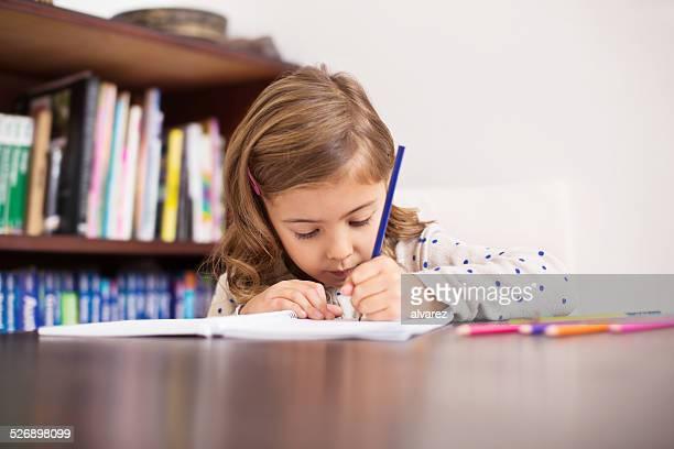 Niedliche kleine Mädchen Zeichnung