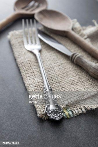 Cutlery strewn across a table. : Bildbanksbilder