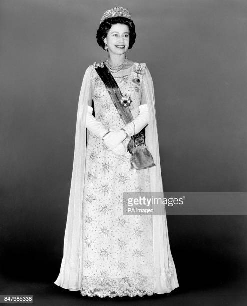 A cutout of Queen Elizabeth II at a banquet given by Queen Juliana and Prince Bernhard of the Netherlands at Carpenters' Hall in the City
