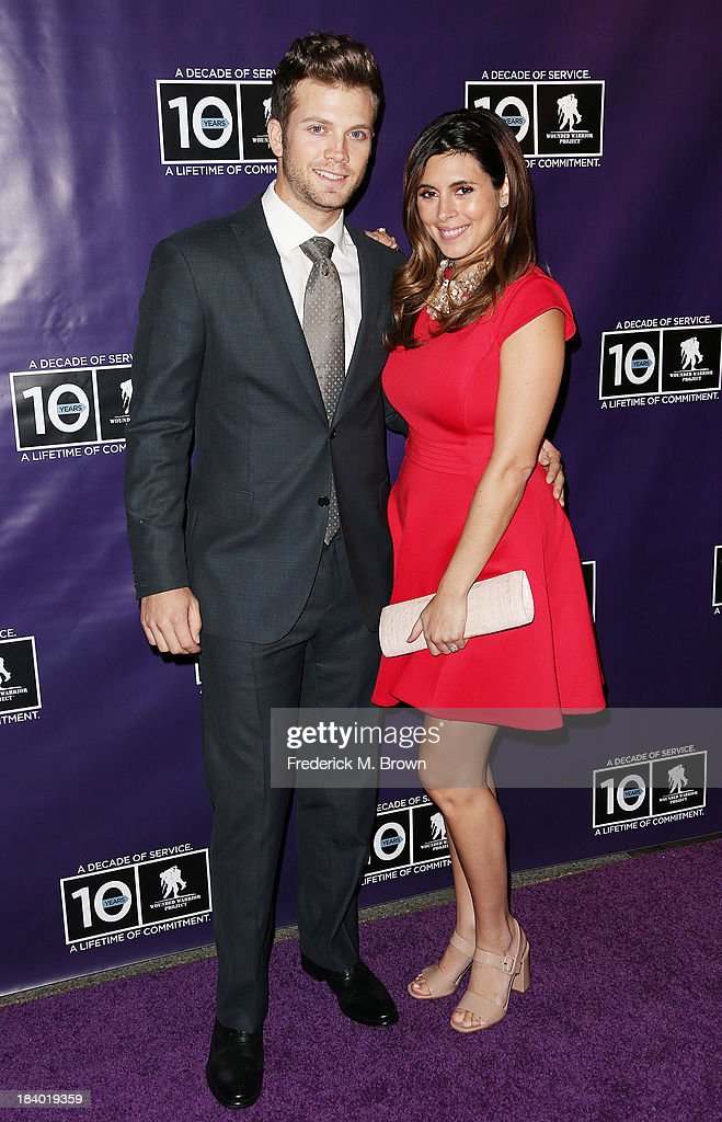 Cutter Dykstra (L) and actress Jamie Lynn-Sigler attend The Wounded Warrier Project's (WWP) Carry Forward Awards at Club Nokia on October 10, 2013 in Los Angeles, California.
