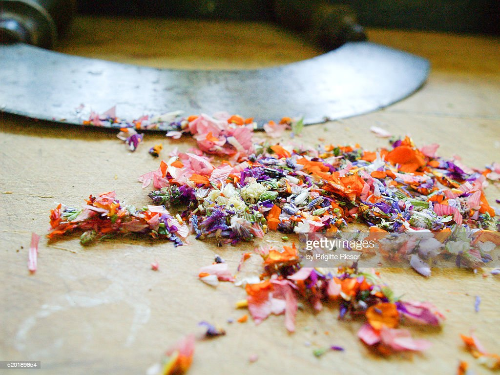 Cutting Edge - Edible Flowers, Mincing Knife