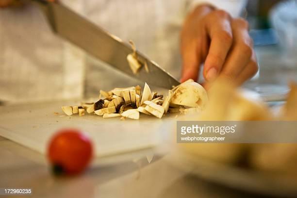 Cutting mushroom