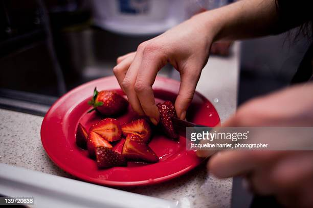 Cutting of strawberries