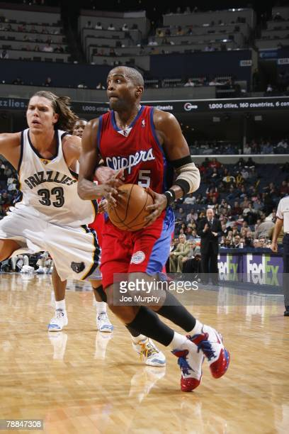 Cuttino Mobley of the Los Angeles Clippers drives against Mike Miller of the Memphis Grizzlies on December 14 2007 at the FedExForum in Memphis...