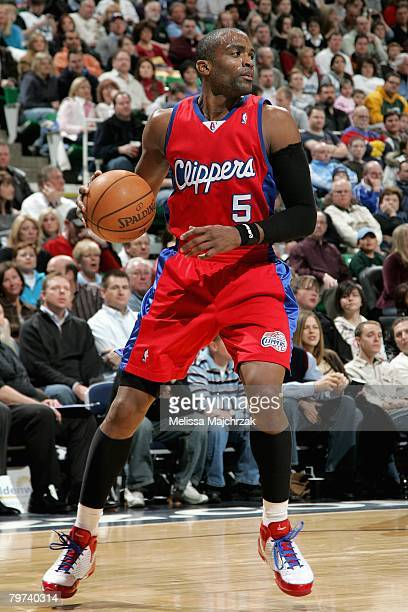 Cuttino Mobley of the Los Angeles Clippers handles the ball during the game against the Utah Jazz on January 18 2008 at EnergySolutions Arena in Salt...