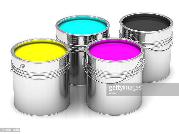 Canettes de peinture CMJN