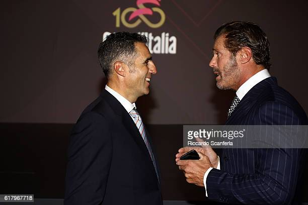 ¿Cuánto mide Miguel Indurain? - Altura - Real height Cycling-100th-giro-ditalia-2017-presentation-mario-cipollini-miguel-picture-id617967718?s=612x612