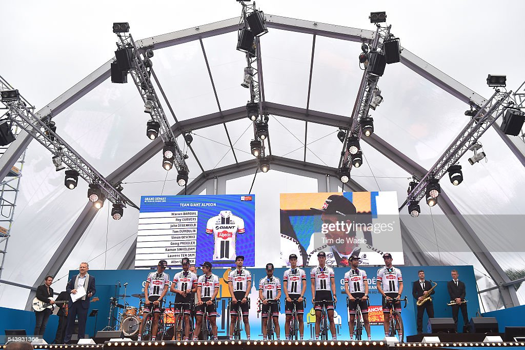 103rd Tour de France 2016 / Team Presentation Team GIANT - ALPECIN (GER)/ Warren BARGUIL (FRA)/ Roy CURVERS (NED)/ John DEGENKOLB (GER)/ Tom DUMOULIN (NED)/ Simon GESCHKE (GER)/ Georg PREIDLER (AUT)/ Ramon SINKELDAM (NED)/ Laurens TEN DAM (NED)/ Albert TIMMER (NED)/ TDF /