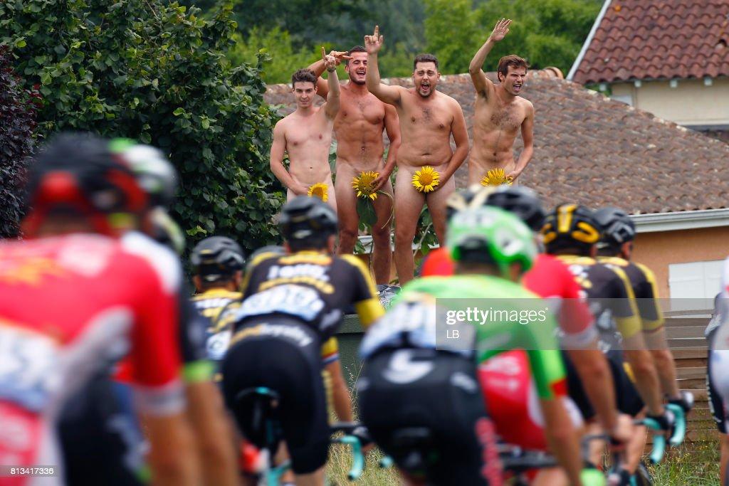 104th Tour de France 2017 / Stage 11 Peloton / Public / Fans / Sunflowers / Eymet - Pau (203,5km) / TDF /