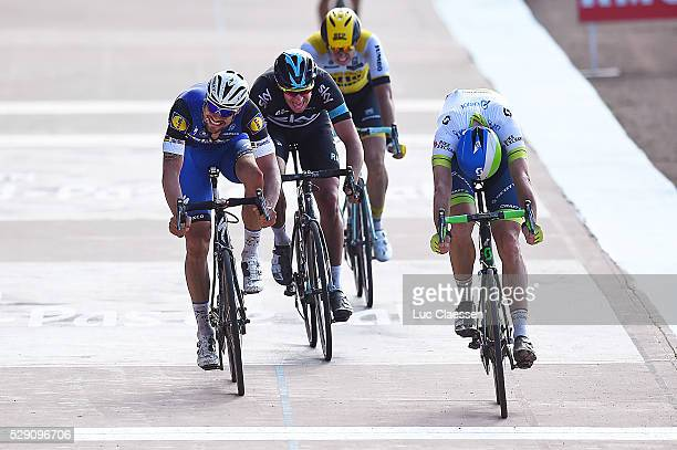 114th Paris Roubaix 2016 Arrival Sprint / HAYMAN Mathew / BOONEN Tom / STANNARD Ian / VANMARCKE Sep / Compiegne Roubaix / Parijs PR / Tim De...