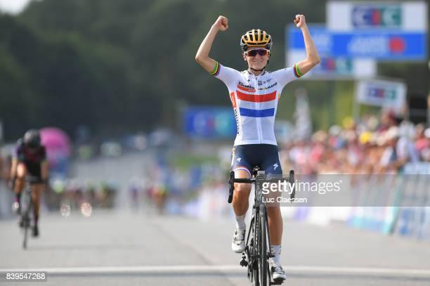 16th GP de PlouayBretagne 2017 / Women Arrival / Lizzie Elizabeth ARMITSTEADDEIGNAN / Celebration / Ploulay Ploulay / GPPB /