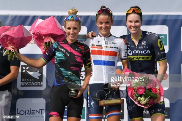 16th GP de PlouayBretagne 2017 / Women Podium / Pauline FERRANDPREVOT / Lizzie Elizabeth ARMITSTEADDEIGNAN / Sarah ROY / Celebration / Trophy /...