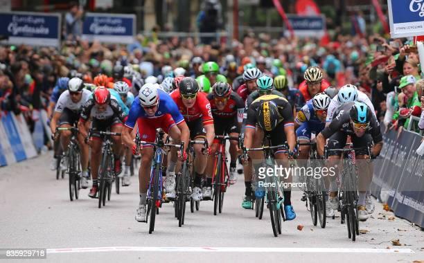 22nd Euroeyes Cyclassics 2017 Arrival / Elia VIVIANI / Arnaud DEMARE / Dylan GROENEWEGEN / Sprint / Hamburg Hamburg / Vattenfall Cyclassics /