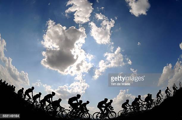 'Cycling 64th Tour of Spain Vuelta / Stage 16 Illustration Illustratie / Peleton Peloton / Silhouet / Clowds Nuages Wolken / Landscape Paysage...