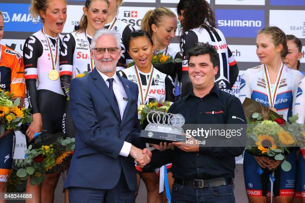 90th Road World Championships 2017 / TTT Women Elite Podium / Brian COOKSON UCI President / Hans TIMMERMANS Director Sportif / Team Sunweb / Trophy /...