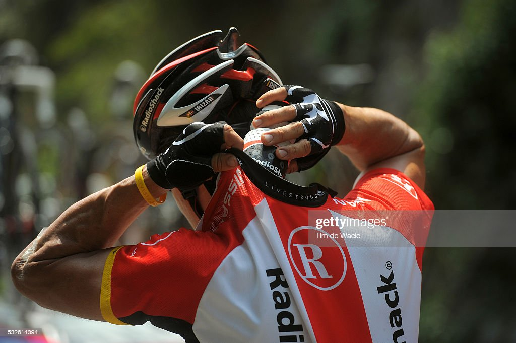 98th Tour de France 2011 / Stage 11 Illustration Illustratie / Ravitaillement Bevoorrading / Team Radioshack / Bidons Bottle Drinkbus / BlayeLesMines...