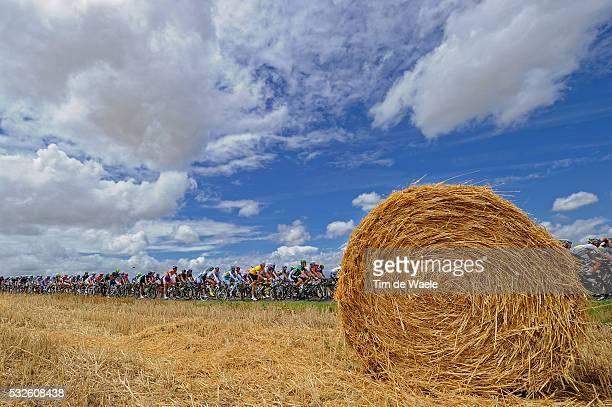 98th Tour de France 2011 / Stage 7 Illustration Illustratie / Peleton Peloton / Sky Clouds Nuages Wolken Field / Landscape Paysage Landschap / Le...