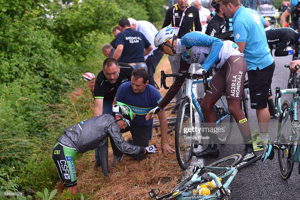 99th Tour of Italy 2016 / Stage 21 Francesco Manuel BONGIORNO (ITA) Matteo MONTAGUTI (ITA) / Crash / Cuneo - Torino (163km)/ Giro /