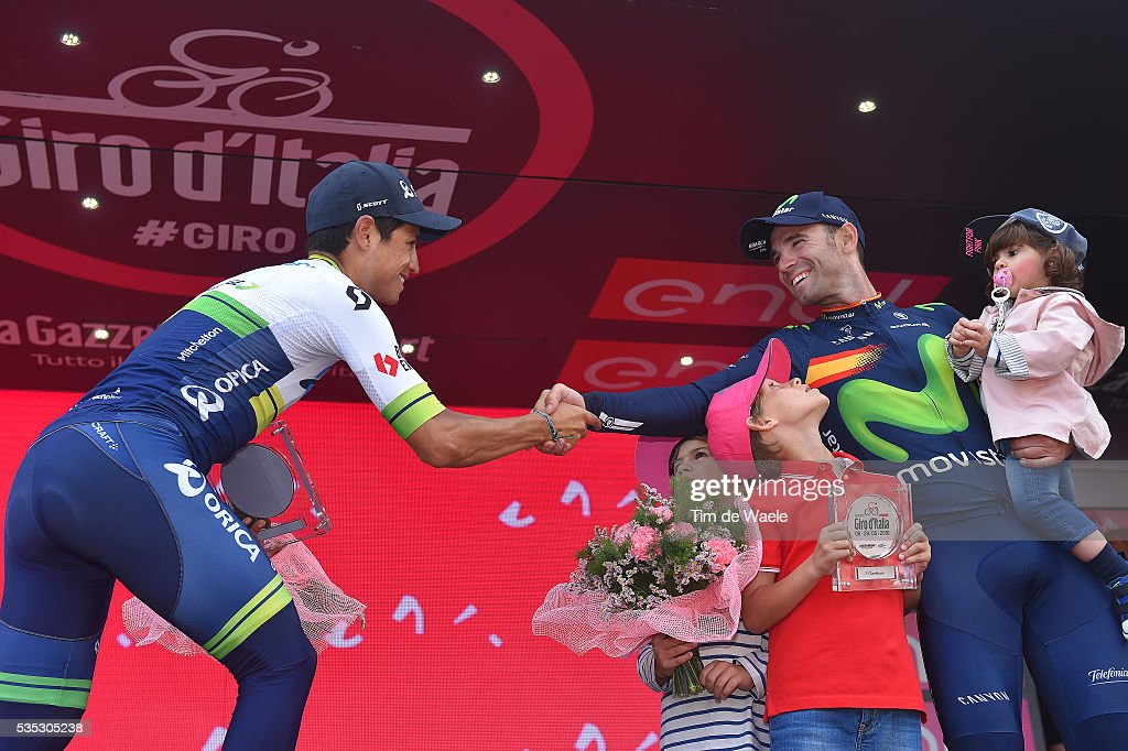 99th Tour of Italy 2016 / Stage 21 Podium / Johan Esteban CHAVES (COL)/ Alejandro VALVERDE (ESP)/ Children / Son / Celebration / Cuneo - Torino (163km)/ Giro /