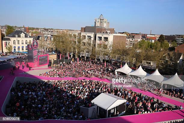 99th Tour of Italy 2016 / Team Presentation / Illustration Public Fans Apeldoorn City Town Hall Square Landscape / Giro /
