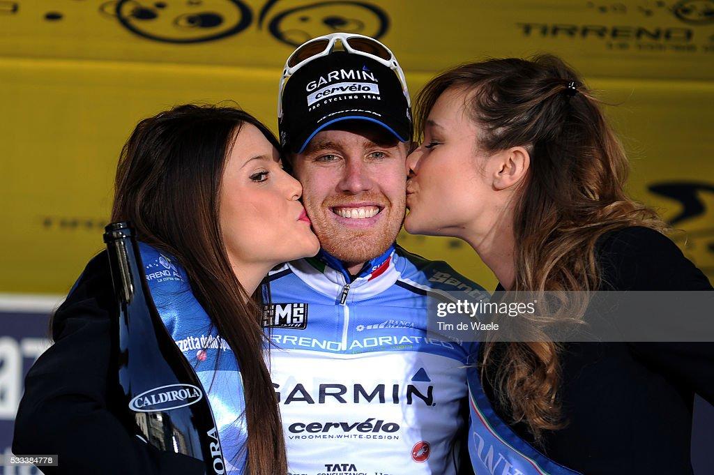 Tirreno - Adriatico 2011 / Stage 2 Podium / Tyler FARRAR (Usa) Blue Leader Jersey / Celebration Joie Vreugde / Carrara - Indicatore (Arezzo) (202 Km)/ Etape Rit / (c)Tim De Waele | Location: Indicatore, Arezzo, Italy Italia Italie.