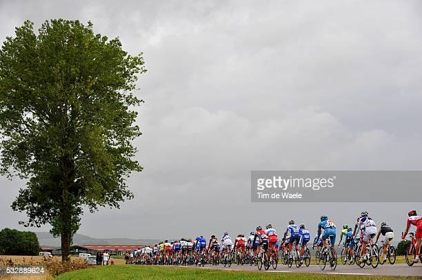'Cycling Tour de France 2009 / Stage 13 Illustration Illustratie / Peleton Peloton / Rain Cloudes Nuages Pluie Regen Wolken / Landscape Paysage...