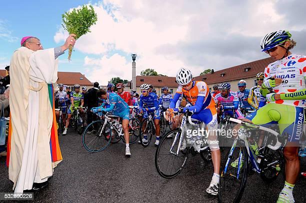 'Cycling Tour de France 2009 / Stage 15 Start / VOECKLER Thomas / TEN DAM Laurens / PELIZOTTI Franco / Pastoor Priest Priester / Mountain Jersey /...