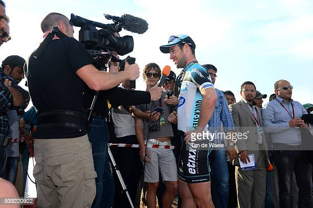 Tour of Qatar 2013 / Stage 5 Mark CAVENDISH Press Pers TV Journalist / Al Zubara Fort Madinat Al Shamal / Ronde Etape Rit /Tim De Waele
