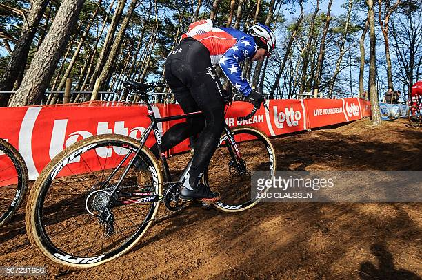 US cyclist Jeremy Powers practices ahead of the world championships cyclocross cycling in HeusdenZolder on January 28 2016 / AFP / BELGA / LUC...