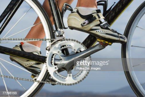 Cyclist riding bike : Foto de stock