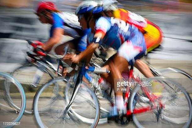 Ciclista XXL El desenfoque de acción