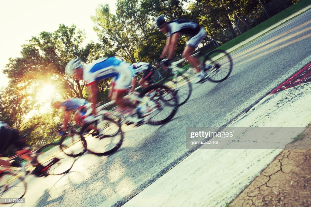 Cyclists in a circuit