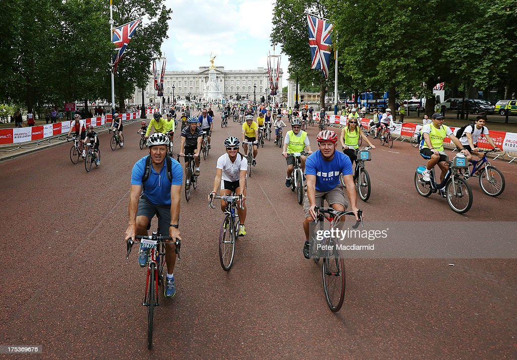 Cyclists take part in the Ride London Freecycle event in The Mall in sight of Buckingham Palace on August 3, 2013 in London, England. Up to 50, 000 cyclists are expected to ride the eight mile traffic free route through central London.