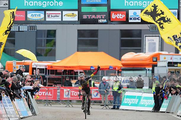 SP Hoogstraten 2014 Arrival / Sven NYS Celebration Joie Vreugde / Superprestige / Tim De Waele