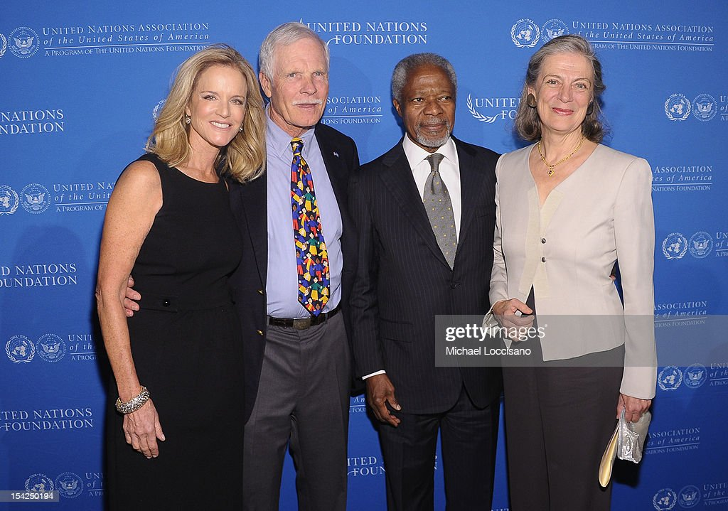 Cynthia McDonald, <a gi-track='captionPersonalityLinkClicked' href=/galleries/search?phrase=Ted+Turner+-+Businessman&family=editorial&specificpeople=203000 ng-click='$event.stopPropagation()'>Ted Turner</a>, former Secretary General of the United Nations <a gi-track='captionPersonalityLinkClicked' href=/galleries/search?phrase=Kofi+Annan&family=editorial&specificpeople=169832 ng-click='$event.stopPropagation()'>Kofi Annan</a> and his wife, <a gi-track='captionPersonalityLinkClicked' href=/galleries/search?phrase=Nane+Annan&family=editorial&specificpeople=220222 ng-click='$event.stopPropagation()'>Nane Annan</a> attend the 2012 Global Leadership Awards Dinner at Cipriani 42nd Street on October 16, 2012 in New York City.