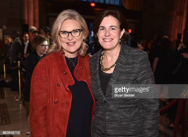 Cynthia McFadden and Honoree Lisa Caputo attends The International Women's Media Foundation's 28th Annual Courage In Journalism Awards Ceremony...