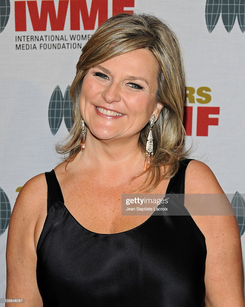 <a gi-track='captionPersonalityLinkClicked' href=/galleries/search?phrase=Cynthia+McFadden&family=editorial&specificpeople=2180286 ng-click='$event.stopPropagation()'>Cynthia McFadden</a> arrives at The International Women's Media Foundation's 'Courage In Journalism' awards held at Beverly Hills Hotel on October 21, 2010 in Beverly Hills, California.